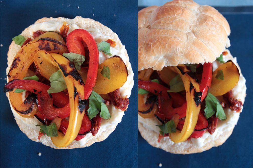 Ricetta Pane tartaruga con peperoni arrostiti, pomodori secchi e stracchino al basilico